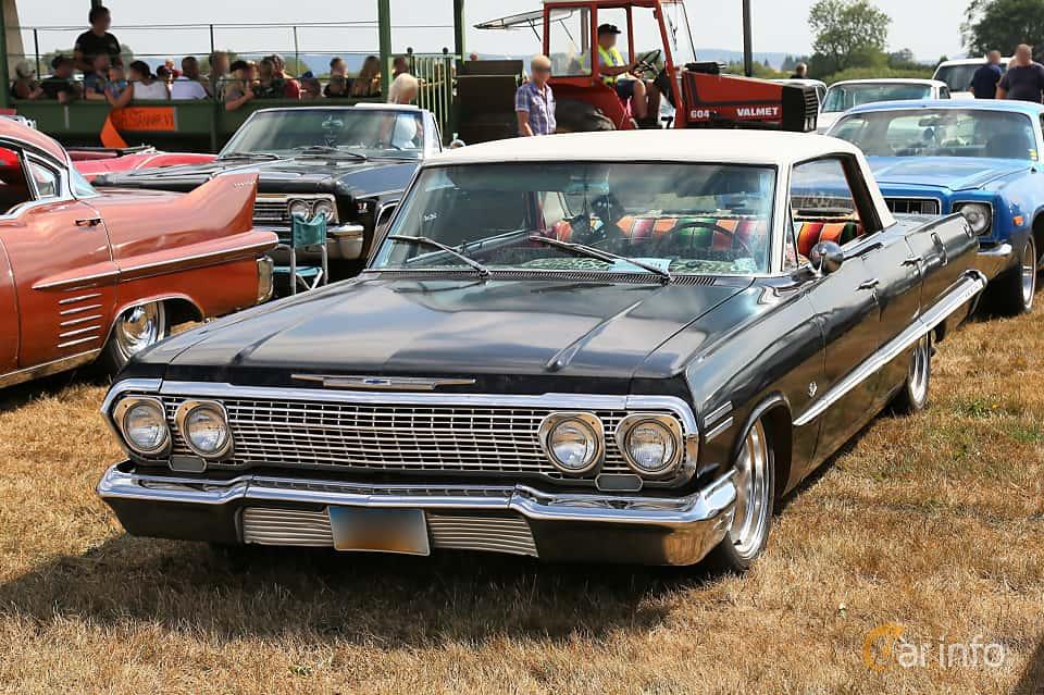 Front/Side  of Chevrolet Impala Sport Sedan 1963 at Falköping Nasco Yankee Meet 2018