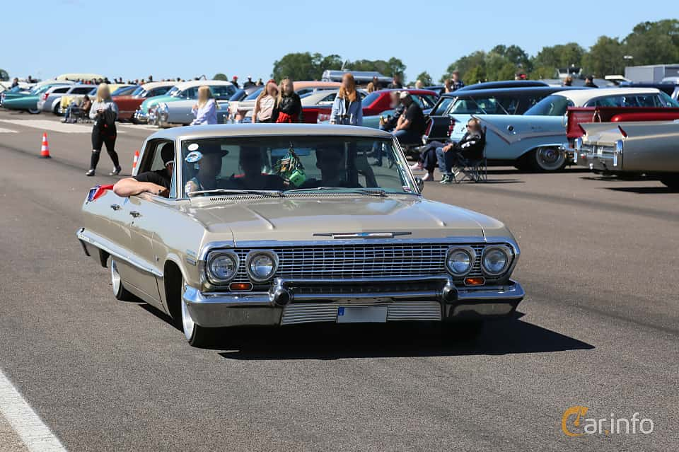 Front/Side  of Chevrolet Impala Sport Sedan 4.6 V8 Powerglide, 198ps, 1963 at Lidköping Power Big Meet  2019