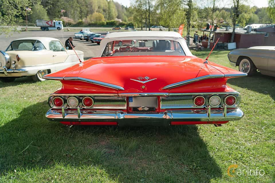 Back of Chevrolet Impala Convertible 5.7 V8 Powerglide, 324ps, 1960 at Lissma Classic Car 2019 vecka 20