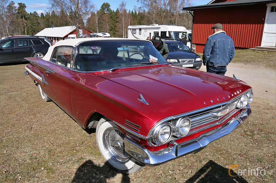 Fram/Sida av Chevrolet Impala Convertible 4.6 V8 Powerglide, 173ps, 1960 på Uddevalla Veteranbilsmarknad Backamo, Ljungsk 2019