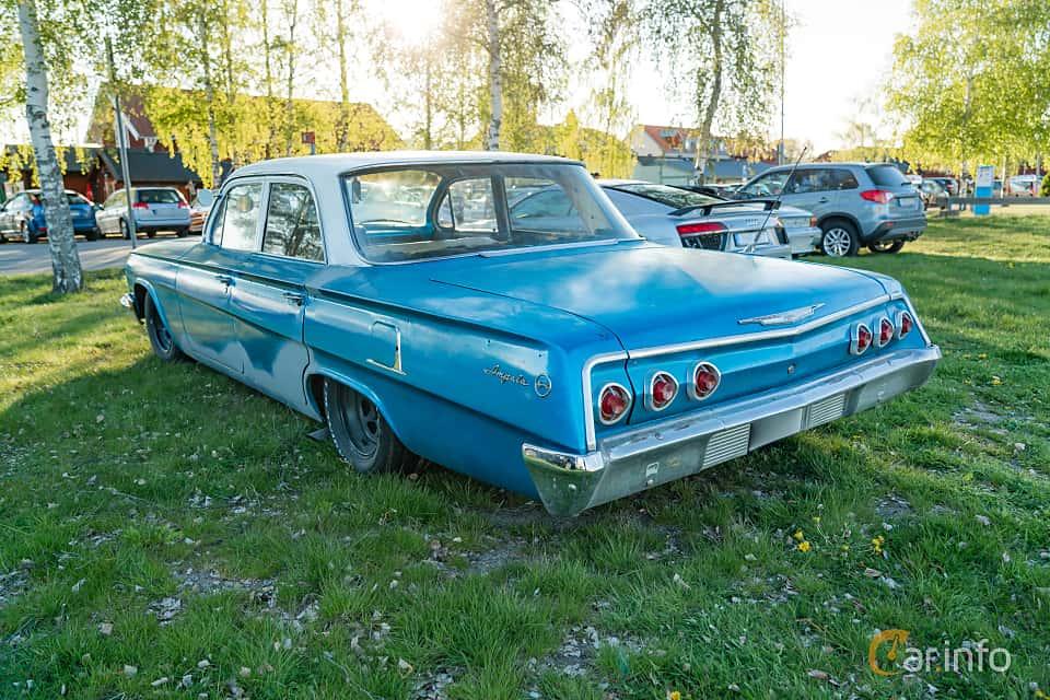 """Back/Side of Chevrolet Impala Sedan 3.9 Powerglide, 137ps, 1962 at Nyköpings hamnträffar 2019 Vecka 20  Tema: """"Kvinnor vid ratten"""""""
