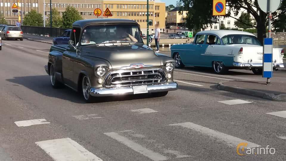 Front/Side  of Chevrolet 3100/3200 4.3 V8 Hydra-Matic, 157ps, 1957 at Nostalgidagarna Härnösand 2019