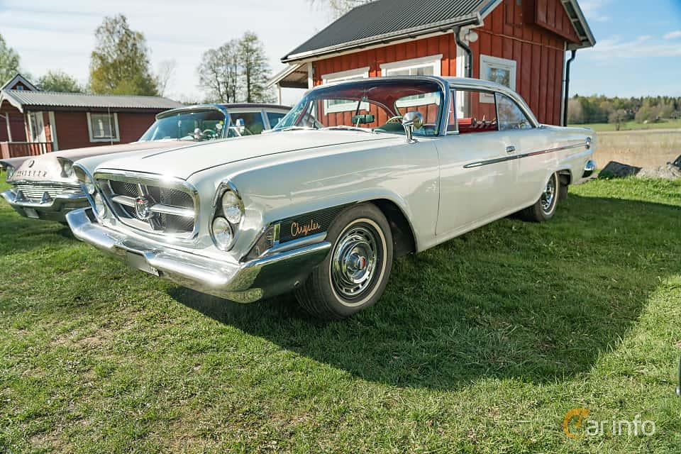 Front/Side  of Chrysler 300 2-door Hardtop 6.3 V8 TorqueFlite, 309ps, 1962 at Lissma Classic Car 2019 vecka 20