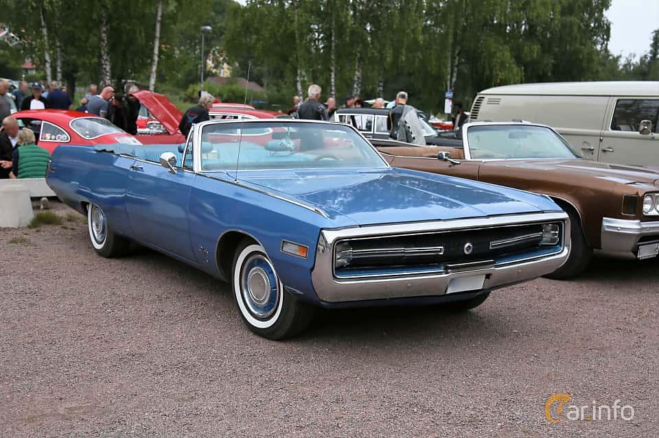 Front/Side  of Chrysler Three Hundred Convertible 7.2 V8 TorqueFlite, 355ps, 1970 at Kungälvs Kulturhistoriska Fordonsvänner  2018 v.33