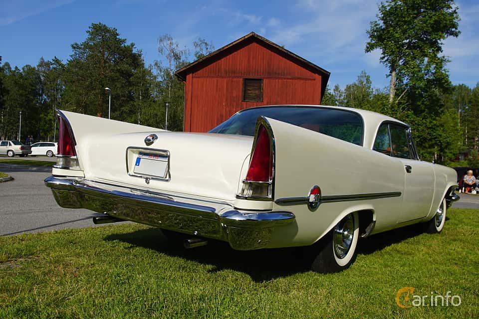 Bak/Sida av Chrysler 300C Hardtop 6.4 V8 TorqueFlite, 396ps, 1957 på Onsdagsträffar på Gammlia Umeå 2019 vecka 28