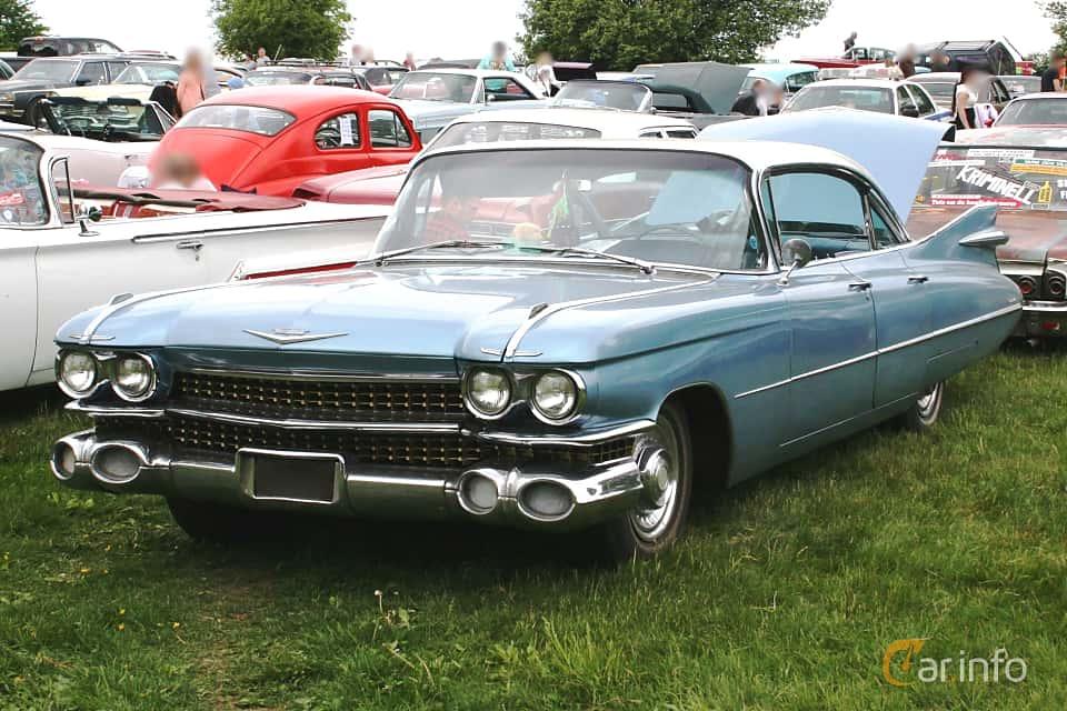 Front/Side  of Cadillac Sedan de Ville 6-window 6.4 V8 OHV Hydra-Matic, 330ps, 1959 at Hässleholm Power Start of Summer Meet 2016