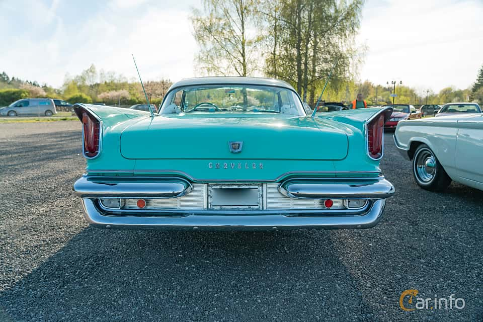 Front  of Chrysler Windsor 2-door Hardtop 6.3 V8 Manual, 309ps, 1959 at Lissma Classic Car 2019 vecka 20