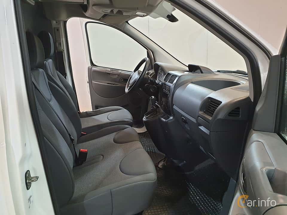 Interior of Citroën Jumpy Van 2.0 HDi Automatic, 163ps, 2015