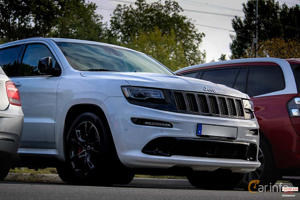 Close-up of Jeep Grand Cherokee SRT 6.4 V8 4WD 468ps, 2014