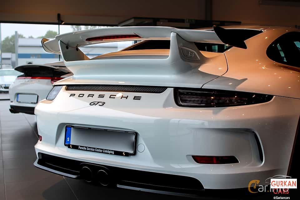 Close-up of Porsche 911 GT3 3.8 H6 PDK, 475ps, 2016