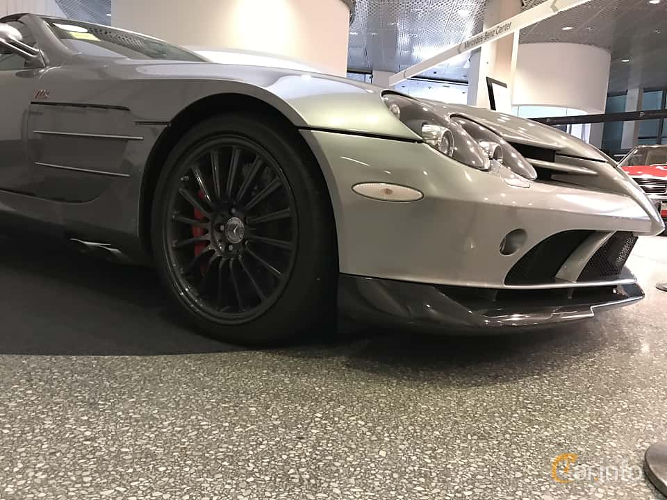 Close-up of Mercedes-Benz SLR 722 S Roadster  Automatic, 650ps, 2009