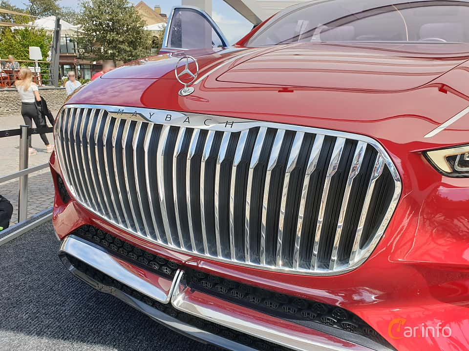 Close-up of Mercedes-Benz Vision Mercedes-Maybach Ultimate Luxury 90 kWh Single Speed, 748ps, 2018