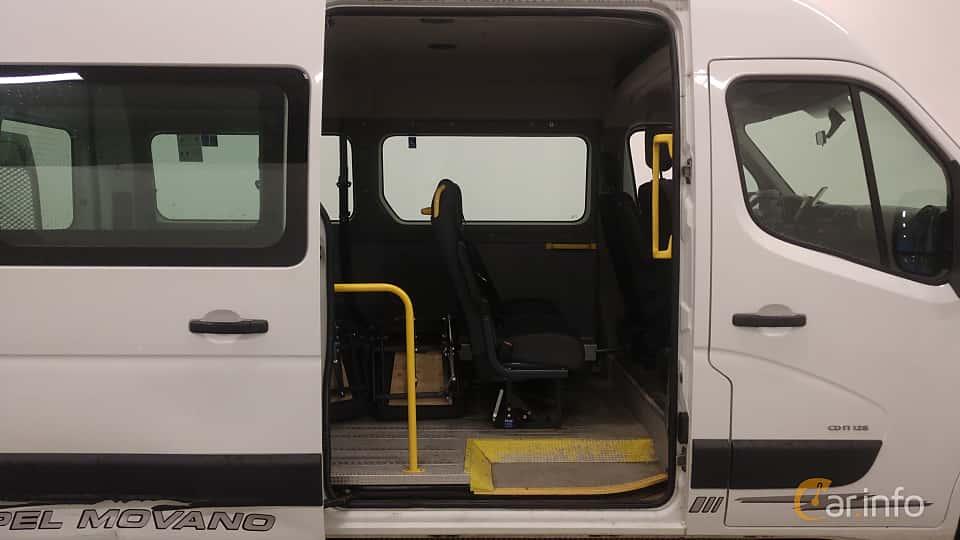 Närbild av Opel Movano Minibus 2.3 CDTI Manual, 125ps, 2012