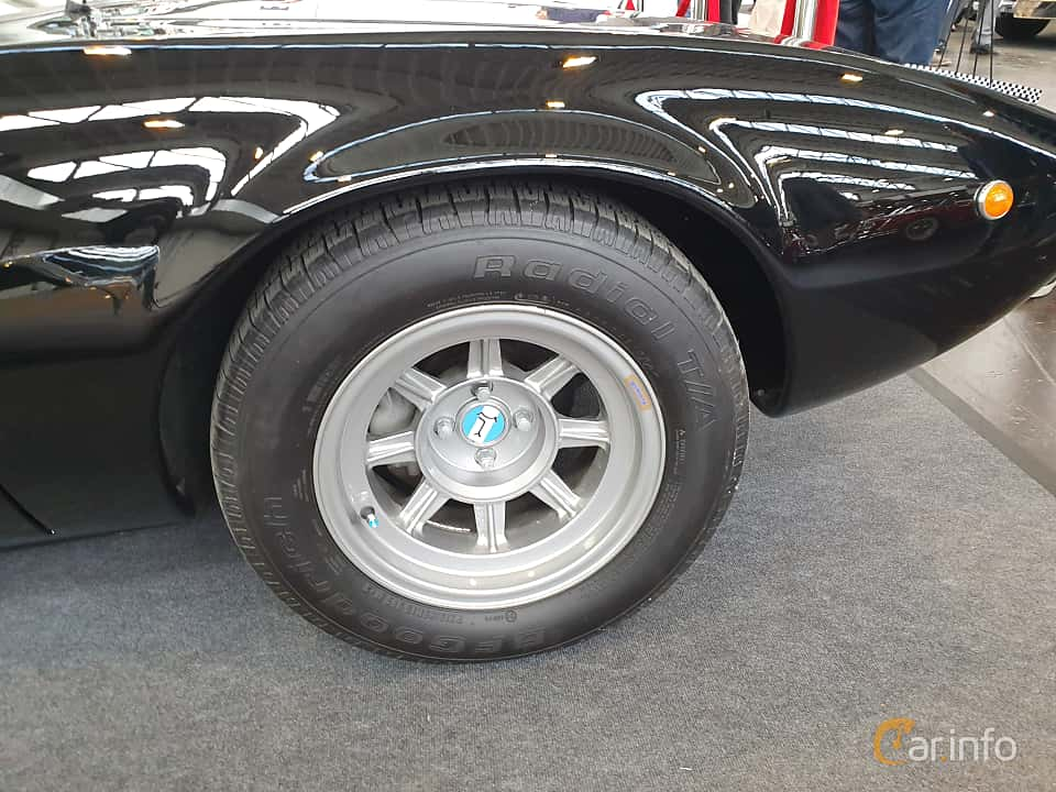 Close-up of De Tomaso Mangusta 4.7 V8 Manual, 306ps, 1969 at Techno Classica Essen 2019