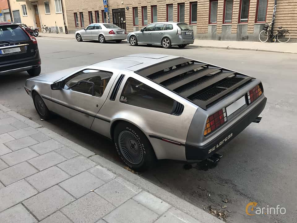 Back/Side of DeLorean DMC-12 2.8 V6 Automatic, 132ps, 1982