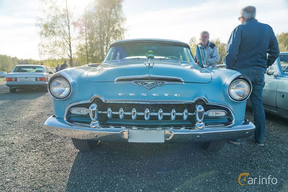 Front  of DeSoto Firedome Sedan 4.5 V8 Automatic, 188ps, 1955 at Lissma Classic Car 2019 vecka 20