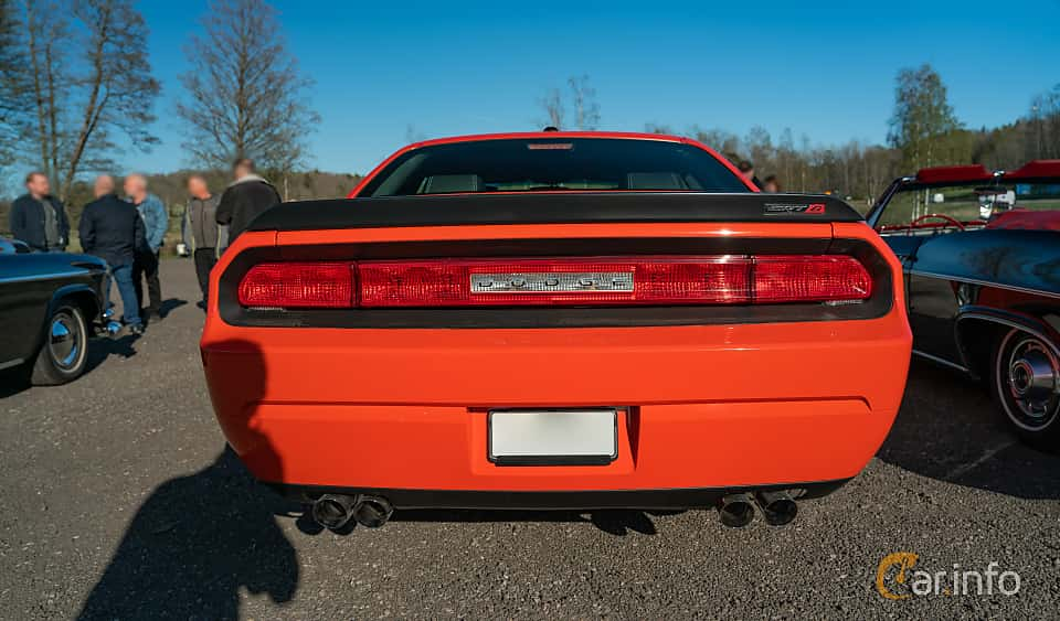 Back of Dodge Challenger 6.1 V8 HEMI Automatic, 431ps, 2009 at Lissma Classic Car 2019 vecka 20