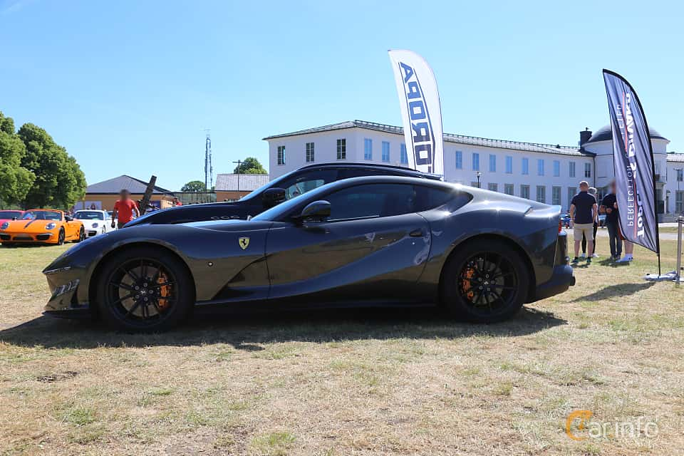 Side  of Ferrari 812 Superfast 6.5 V12 DCT, 800ps, 2018 at Cars and Coffee Stockholm 2018