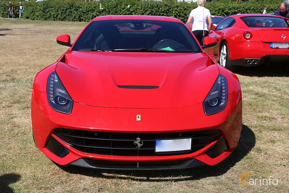 Front  of Ferrari F12berlinetta 6.3 V12  DCT, 740ps, 2013 at Cars and Coffee Stockholm 2018