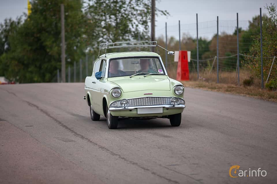 Front/Side  of Ford Anglia 1.0 Manual, 39ps, 1962 at Wheels & Wings 2018