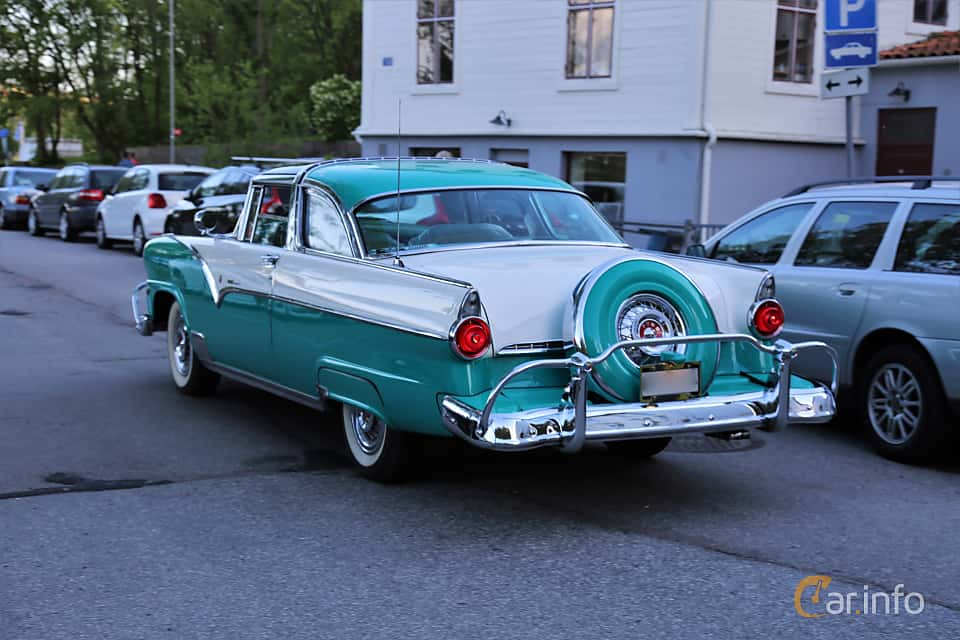 Back/Side of Ford Fairlane Crown Victoria Skyliner 4.5 V8 Automatic, 165ps, 1955