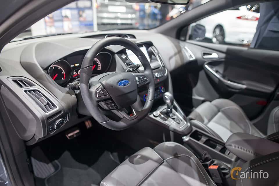 manual ford focus 2017