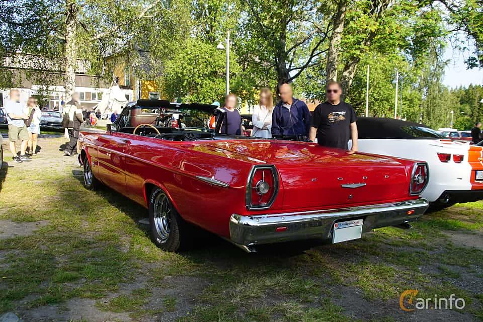 Back/Side of Ford Galaxie 500/XL Convertible 6.4 V8 Automatic, 305ps, 1965 at Onsdagsträffar på Gammlia Umeå 2019 vecka 28