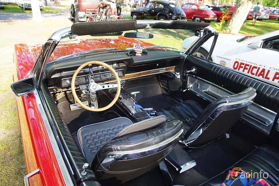 Interior of Ford Galaxie 500/XL Convertible 6.4 V8 Automatic, 305ps, 1965 at Onsdagsträffar på Gammlia Umeå 2019 vecka 28