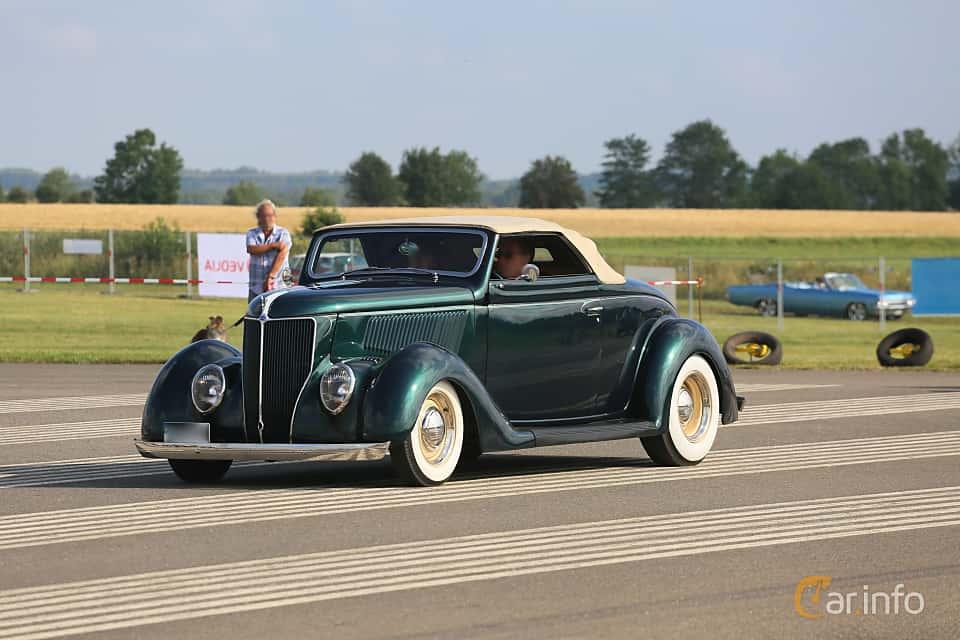 Fram/Sida av Ford Model 68 Cabriolet 3.6 V8 Manual, 86ps, 1936 på Falköping Nasco Yankee Meet 2019