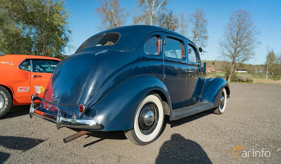 Back/Side of Ford Model 74 Fordor Touring Sedan 2.2 V8 Manual, 61ps, 1937 at Lissma Classic Car 2019 vecka 20
