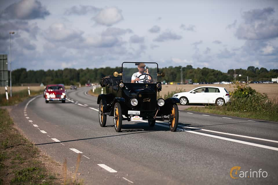 Fram/Sida av Ford Model T Touring 2.9 Manual, 20ps, 1922 på Lergökarallyt 2018