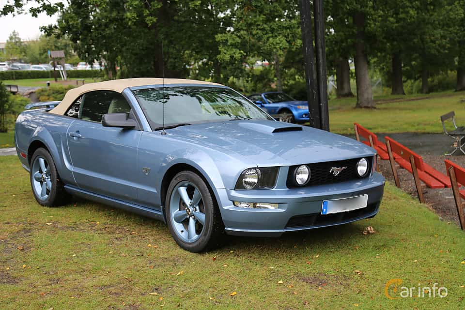 Front/Side  of Ford Mustang GT Convertible 4.6 V8 Automatic, 304ps, 2007 at Bil & MC-träffar i Huskvarna Folkets Park 2019 Amerikanska fordon