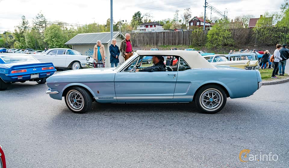 Side  of Ford Mustang Convertible 4.7 V8 Automatic, 203ps, 1966 at Vårcruising Järna 2019