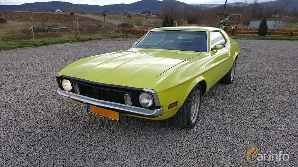 Fram/Sida av Ford Mustang Hardtop 4.9 V8 Automatic, 137ps, 1972