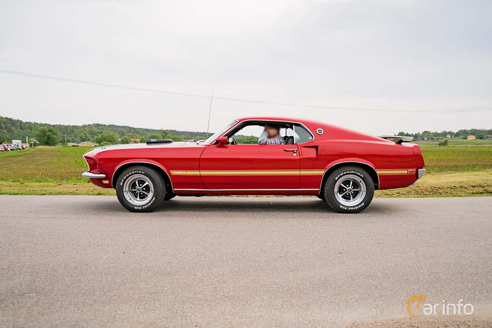 Side  of Ford Mustang Mach I 5.8 V8 Automatic, 254ps, 1969 at Tjolöholm Classic Motor 2016