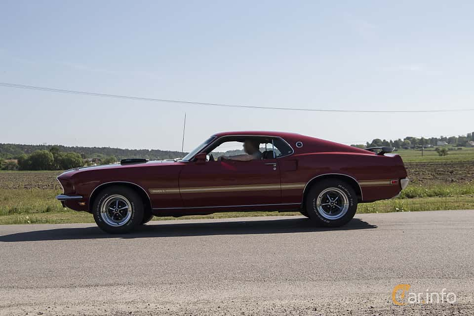 Side  of Ford Mustang Mach I 5.8 V8 Automatic, 254ps, 1969 at Tjolöholm Classic Motor 2018