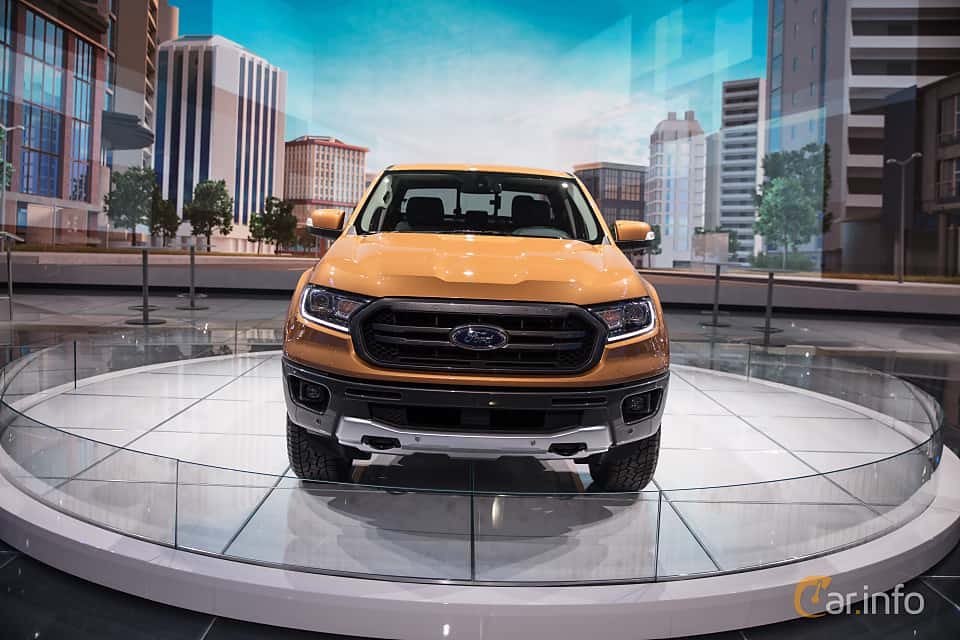 Front  of Ford Ranger SuperCrew 2.3 EcoBoost 4x4 Automatic, 274ps, 2019 at North American International Auto Show 2018