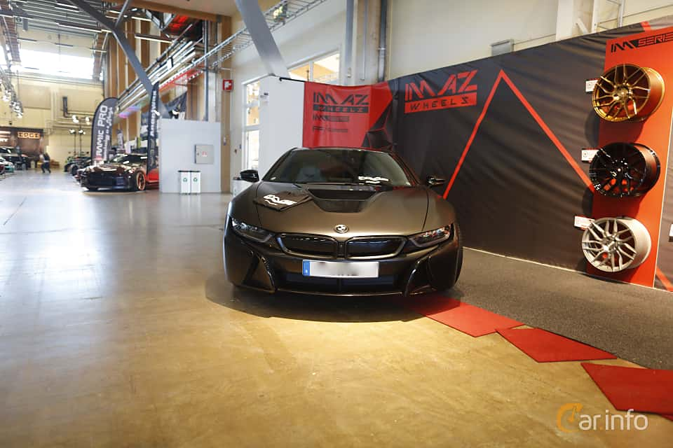 Fram av BMW i8 1.5 + 7.1 kWh Steptronic, 362ps, 2015 på Bilsport Performance & Custom Motor Show 2019