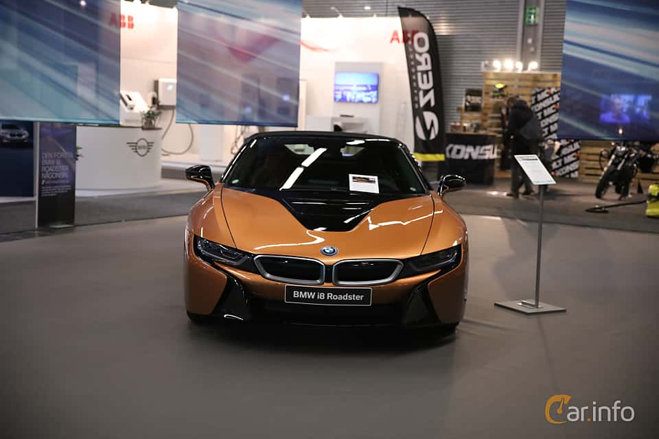 Front  of BMW i8 Roadster 1.5 + 11.6 kWh Steptronic, 374ps, 2019 at eCar Expo Göteborg 2018