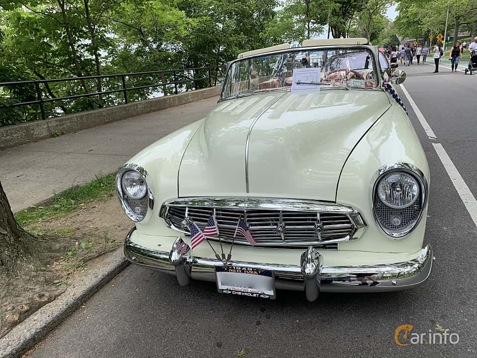 Front  of Chevrolet Styleline Deluxe Convertible Coupé 3.5 Manual, 91ps, 1949 at Father's Day Classic Car Show New York 2019