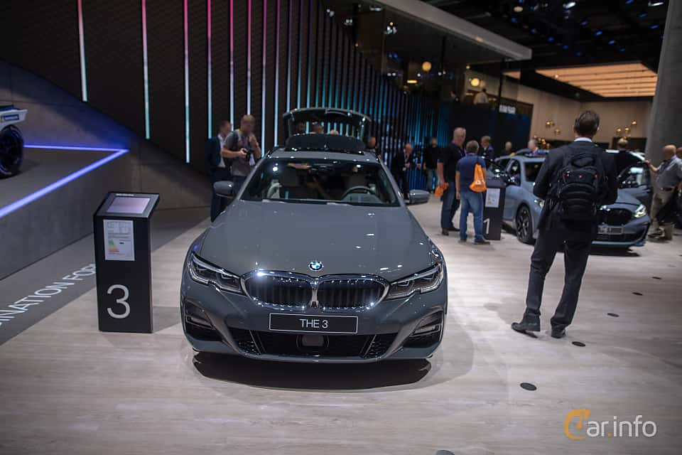 Front  of BMW 330d xDrive Touring  Steptronic, 265ps, 2020 at IAA 2019