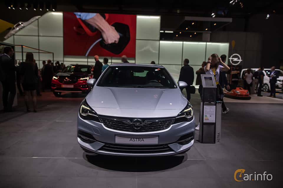 Front  of Opel Astra 1.2 Turbo Manual, 130ps, 2020 at IAA 2019