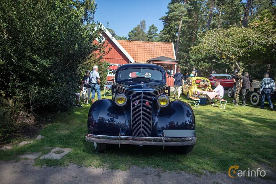 Front  of Studebaker Dictator Custom Sedan 3.6 Manual, 90ps, 1937 at Lergöksträffen Ängelholm 2019