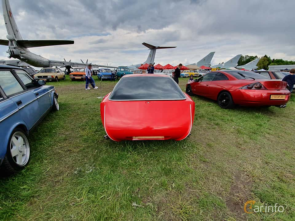 Front  of Porsche 924 1979 at Old Car Land no.1 2019
