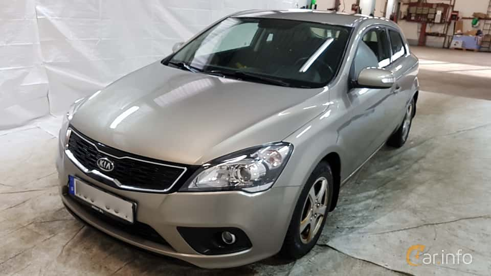 Front/Side  of Kia pro_cee'd 1.6 CRDi Manual, 128ps, 2011