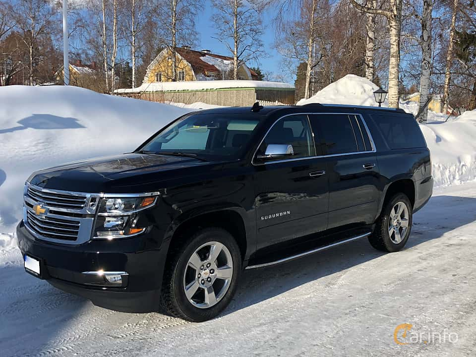 Front/Side  of Chevrolet Suburban 5.3 V8 FlexFuel 4WD Automatic, 385ps, 2018