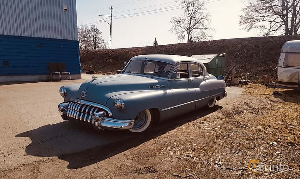 Fram/Sida av Buick Super Tourback Sedan 4.3 Automatic, 130ps, 1950