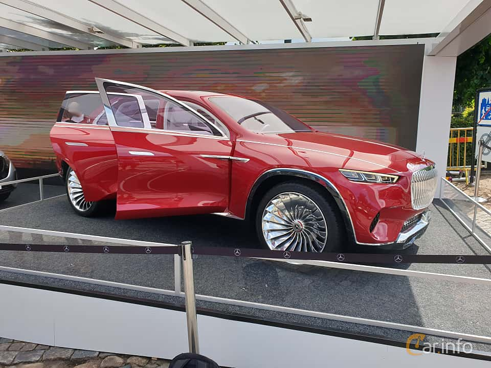 Front/Side  of Mercedes-Benz Vision Mercedes-Maybach Ultimate Luxury 90 kWh Single Speed, 748ps, 2018