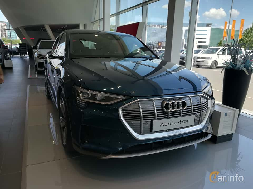 Front/Side  of Audi e-tron 55 quattro  Single Speed, 408ps, 2019