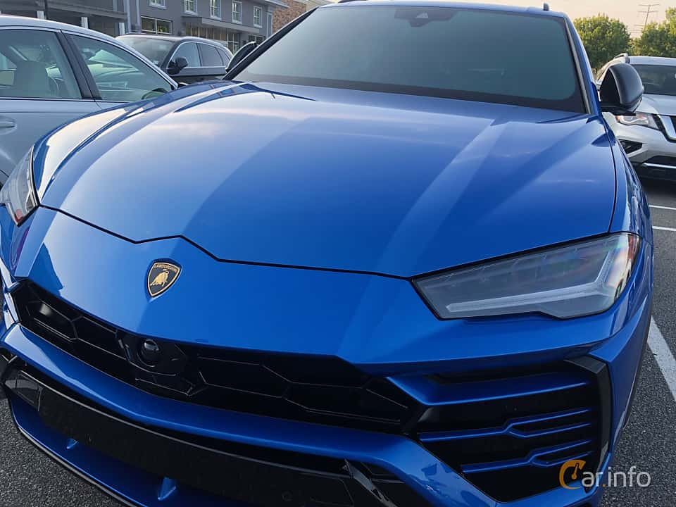 Front/Side  of Lamborghini Urus 4.0 V8 AWD Automatic, 650ps, 2019